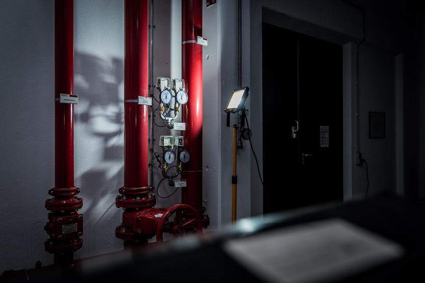 Brennenstuhl 1171250534 - 50 W - LED - 75 Glühbirne(n) - IP65 - Schwarz - Gelb - Freistehende Arbeitsleuchte