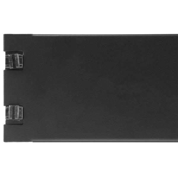 StarTech.com 2U Blank Panel with Tool-less Installation - Filler Panel for Server Racks and Cabinets - Blindabdeckung